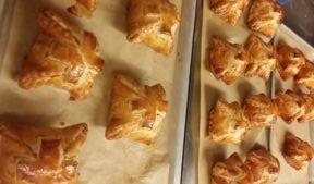 Raisin & Nuts stuffed Apple in Puff pastry